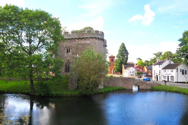 whittington-castle-2013-04