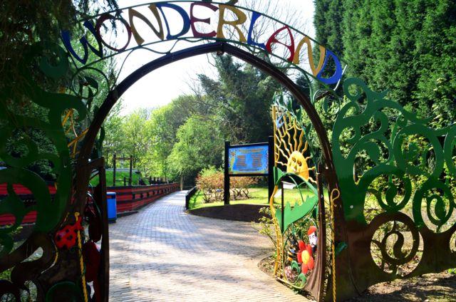 wonderland-01