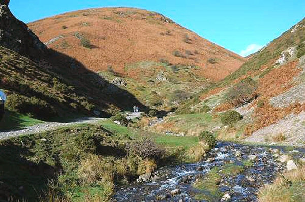 cardingmill-valley-01