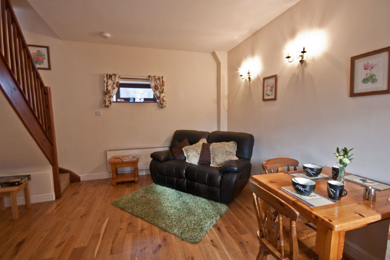 simply-clover_lounge_cottage_shropshire