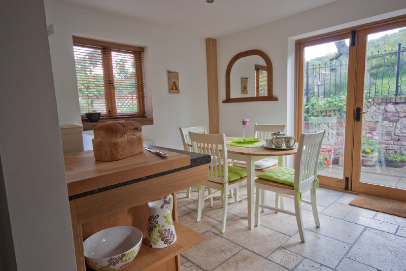 Simply-folly-Kitchen-ShropshireCottages
