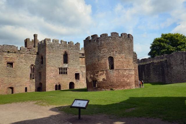 ludlow-castle-v206-2-DSC_1077_640x427