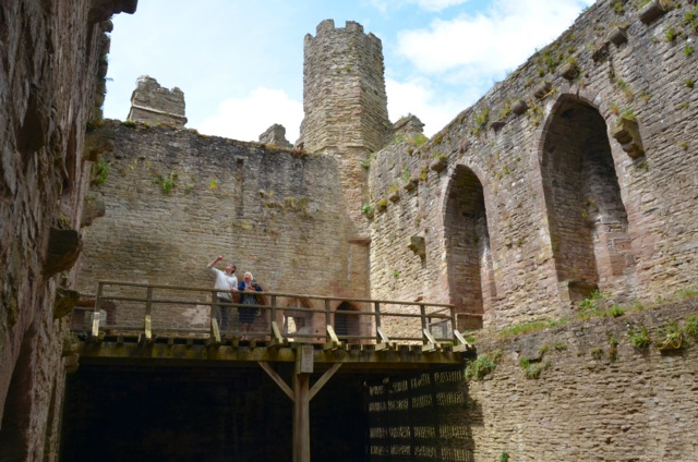 ludlow-castle-v206-2-DSC_1119_640x424