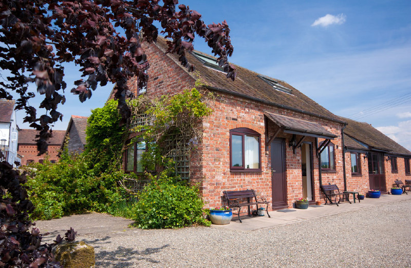 simply-maple-shropshire-cottage-sleeps2