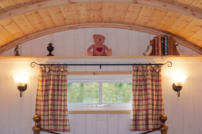 simply-sheprest-_Glamping_Window2