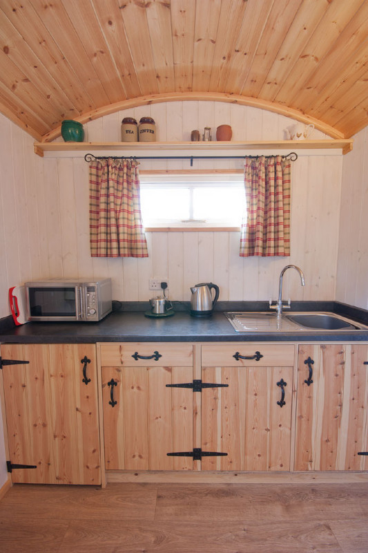 simply-sheprest-_Kitchen_Glamping2