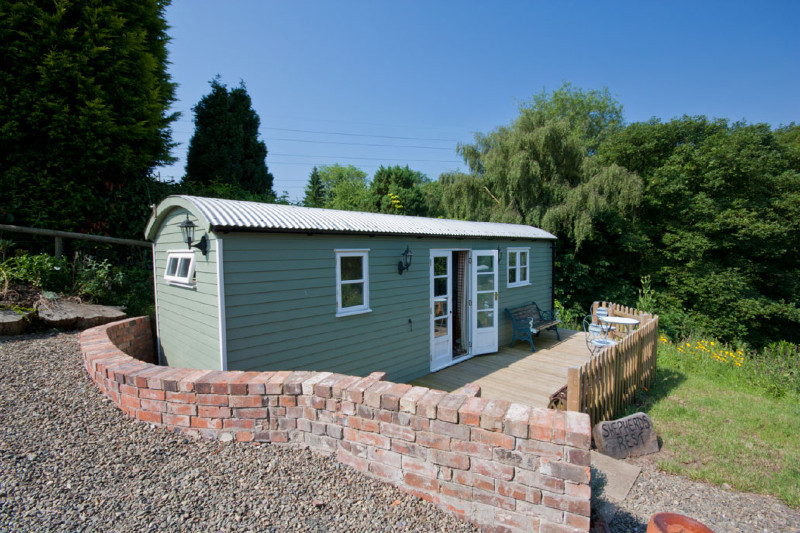 simply-sheprest-holiday_cabin-shropshire-farm1