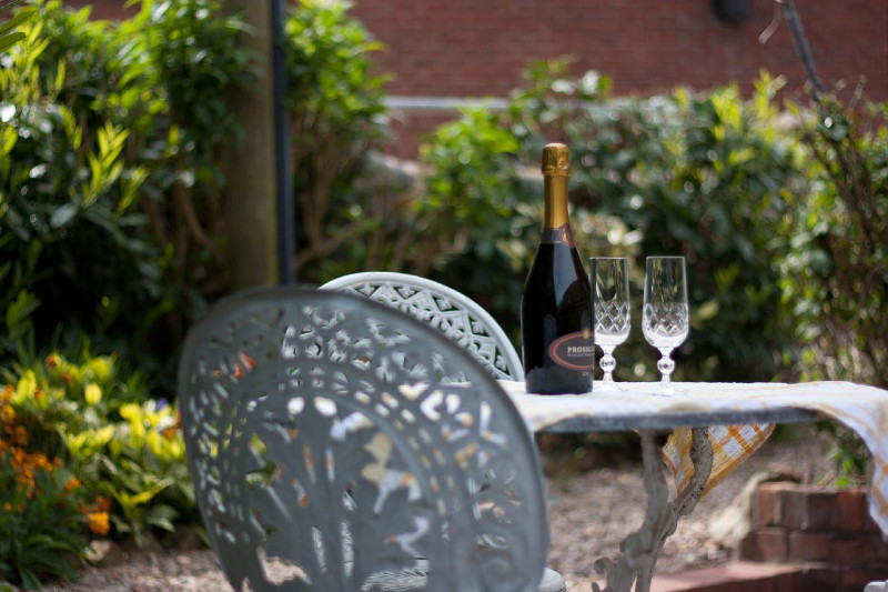 simply-The_Byre_Wine_Patio_Garden
