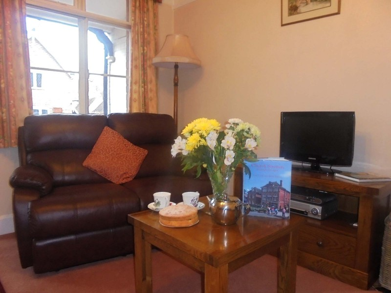 church-stretton-cottage-lounge-cosy